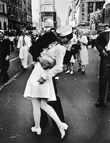 第二次大戦「勝利のキス」
