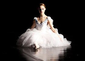 black-swan-photo3.jpg