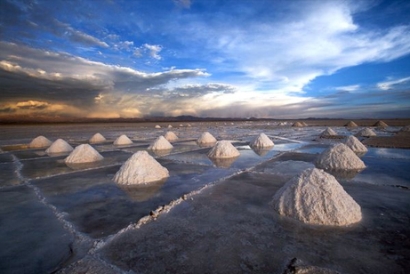 energy-lithium-salt-desert-bolivia-mounds_30250_big.jpg