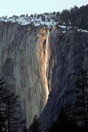 ヨセミテ赤い滝(Yosemite Red horse tail fall)