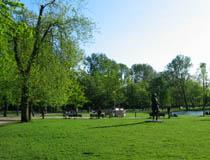 vondelpark_statue.jpg